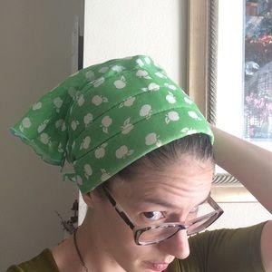 Vintage Accessories - 🛍 Green Apple Headscarf 🍏